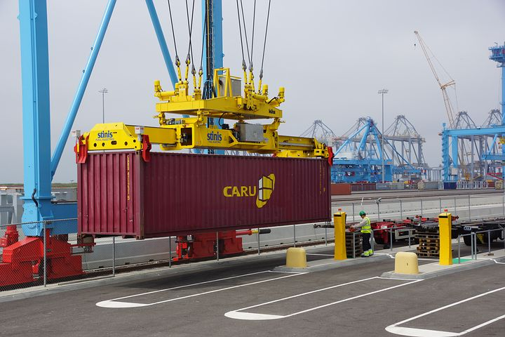 How to Enact Careful Container Unloading Practices on Site